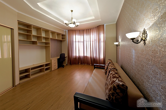 Apartment in the center of Odessa, Three Bedroom (33444), 010