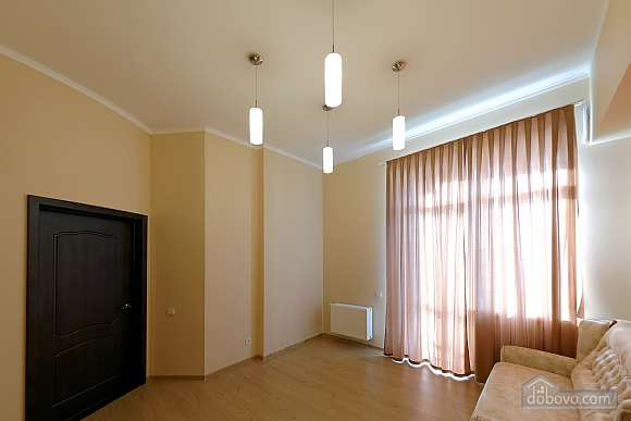 Apartment in the center of Odessa, Three Bedroom (33444), 013