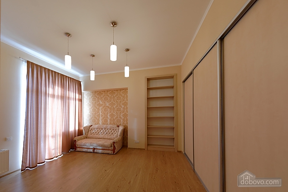 Apartment in the center of Odessa, Three Bedroom (33444), 014