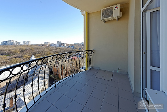 Apartment in the center of Odessa, Three Bedroom (33444), 015