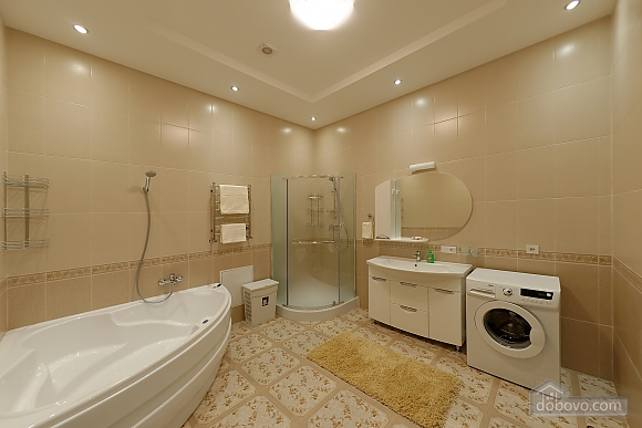 Apartment in the center of Odessa, Three Bedroom (33444), 017