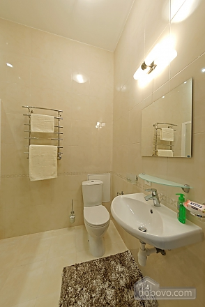 Apartment in the center of Odessa, Three Bedroom (33444), 020