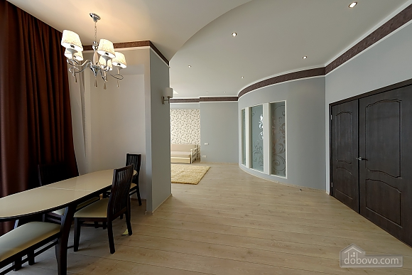 Apartment in the center of Odessa, Three Bedroom (33444), 026