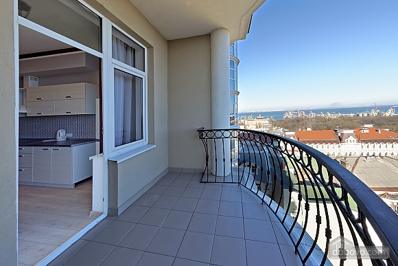 Apartment in the center of Odessa, Three Bedroom (33444), 030