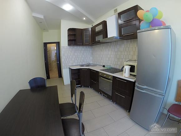 Затишна квартира в Одесі, 2-кімнатна (63596), 012