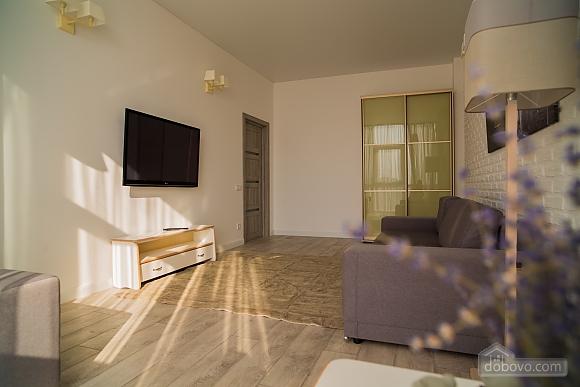 Затишна світла квартира, 2-кімнатна (24609), 005
