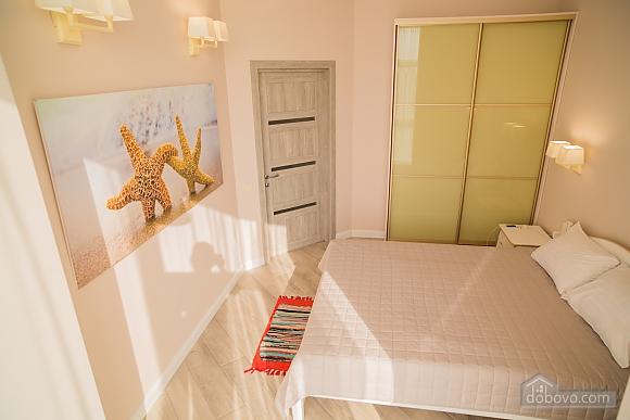 Затишна світла квартира, 2-кімнатна (24609), 006