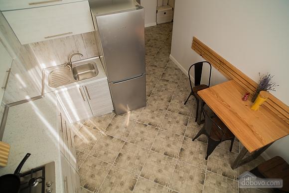Затишна світла квартира, 2-кімнатна (24609), 007