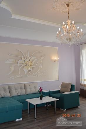 VIP квартира в самом центре, 2х-комнатная (58380), 001