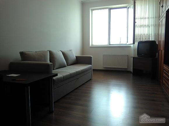 Комфортная квартира, 2х-комнатная (46862), 002