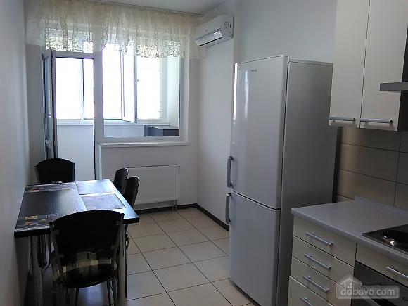 Комфортная квартира, 2х-комнатная (46862), 003