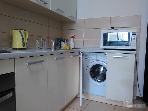 Комфортная квартира, 2х-комнатная (46862), 010