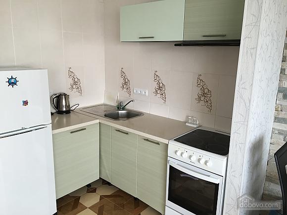 Апартаменты возле Дерибасовской, 2х-комнатная (76158), 005