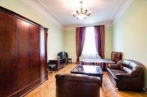 Квартира біля готелю Дністер, 2-кімнатна, 002