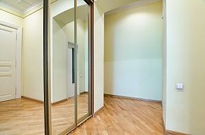 Квартира біля готелю Дністер, 2-кімнатна, 011