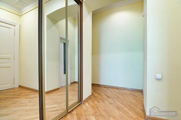Apartment near the Dnestr hotel , One Bedroom (15346), 011