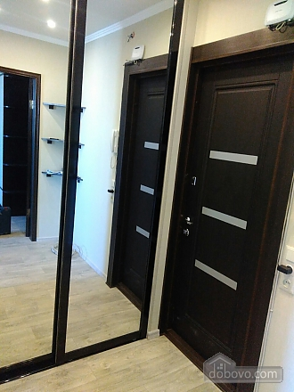 Lux apartment at Oleksiivska metro station  , Studio (87441), 005