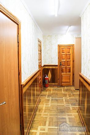 Shevchenka, Studio (23552), 010