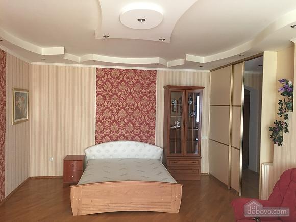Квартира з аркою, 3-кімнатна (65885), 001