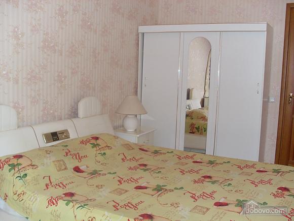Квартира с аркой, 3х-комнатная (65885), 005