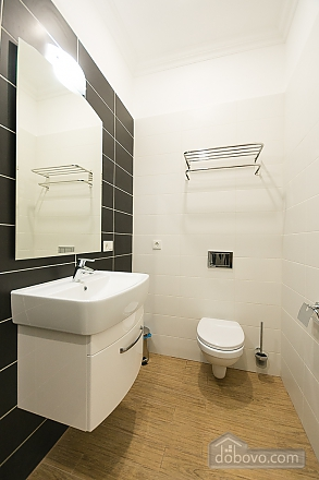 Light studio street view apartment with shower and sofa bed, Studio (48654), 006