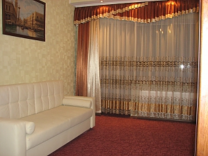 VIP apartment with kitchen in the private hotel in Gagarin park, Two Bedroom, 003