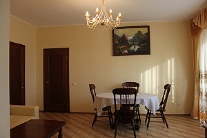 VIP apartment with kitchen in the private hotel in Gagarin park, Two Bedroom, 004