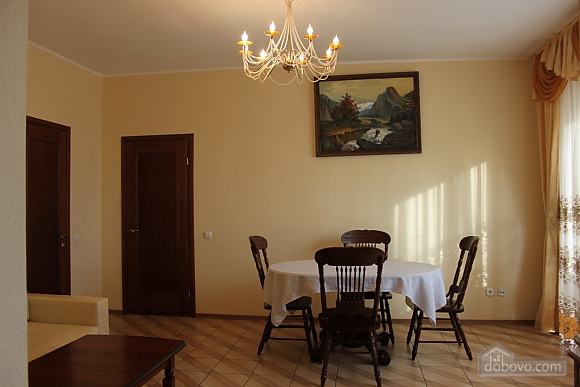 VIP apartment with kitchen in the private hotel in Gagarin park, Due Camere (66198), 004