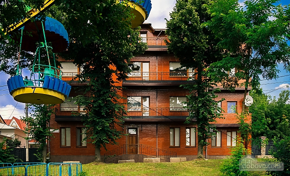VIP apartment with kitchen in the private hotel in Gagarin park, Due Camere (66198), 010