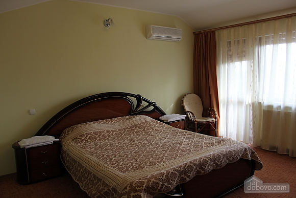 VIP apartment with kitchen in the private hotel in Gagarin park, Zweizimmerwohnung (48317), 001