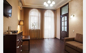 43 Hrecheskaya, One Bedroom, 001