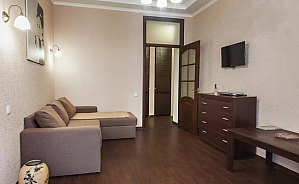 43 Hrecheskaya, One Bedroom, 003