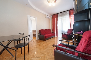 114 Velyka Vasylkivska, One Bedroom, 002