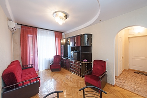 114 Velyka Vasylkivska, One Bedroom, 003