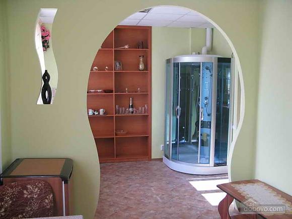 Квартира с дизайнерским ремонтом, 1-комнатная (42388), 002