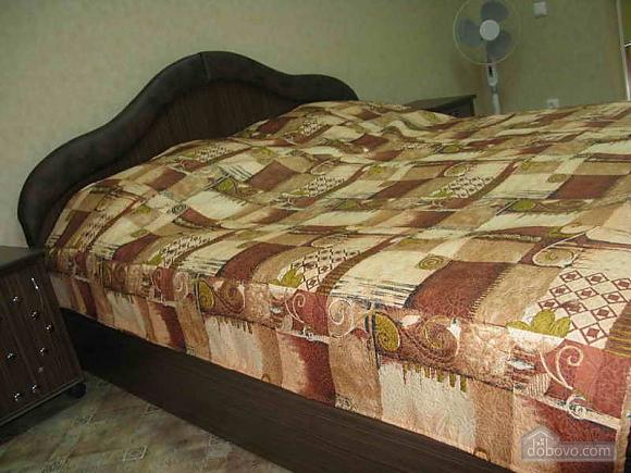 Квартира с дизайнерским ремонтом, 1-комнатная (42388), 001