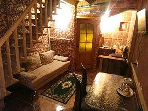 House near the thermal pool, Un chambre, 001