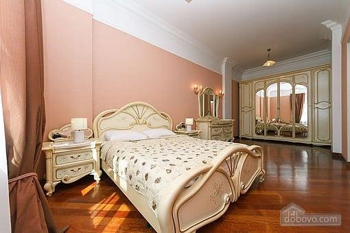 VIP квартира с джакузи, 2х-комнатная (94803), 001