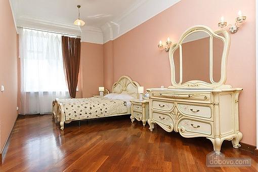 VIP квартира с джакузи, 2х-комнатная (94803), 003