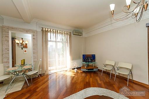 VIP квартира с джакузи, 2х-комнатная (94803), 005