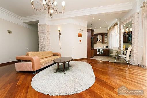 VIP квартира с джакузи, 2х-комнатная (94803), 006