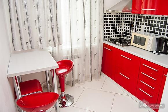 Квартира с джакузи на Оболони, 2х-комнатная (99180), 002