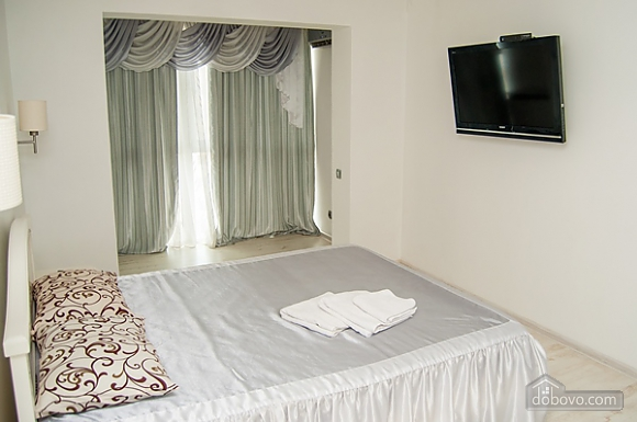 Apartment with jacuzzi at Obolon, Zweizimmerwohnung (99180), 012