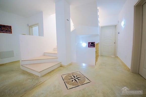 Резиденція з басейном, 3-кімнатна (11959), 018