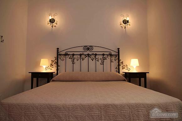 Villa Teresa, Tre Camere (67063), 010