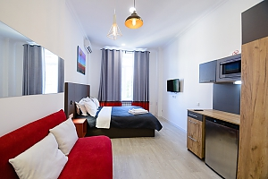 Stylish studio street view apartment with shower and sofa bed, Monolocale, 003