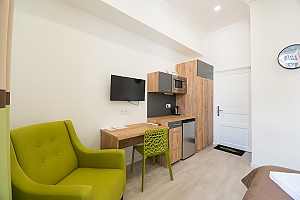 Bright studio apartment with balcony, Studio, 004