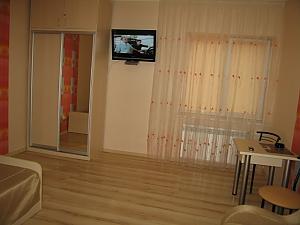 Красива квартира з кондиціонером метро Метробудівників, 1-кімнатна, 002