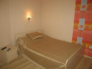 Красива квартира з кондиціонером метро Метробудівників, 1-кімнатна, 001