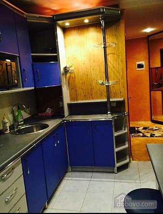 Уютная квартира, 2х-комнатная (77442), 007